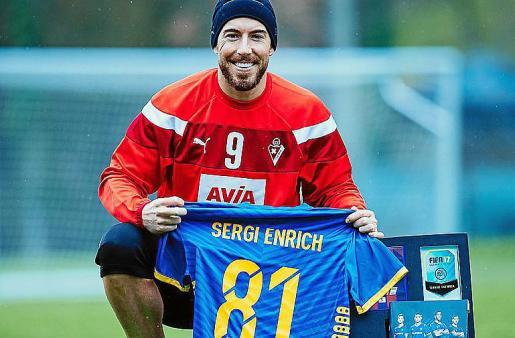 (Español) Sergi Enrich entra por vez primera en el equipo FIFA 17