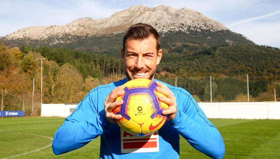 """Sergi Enrich: """"Soy muy feliz en Eibar"""""""